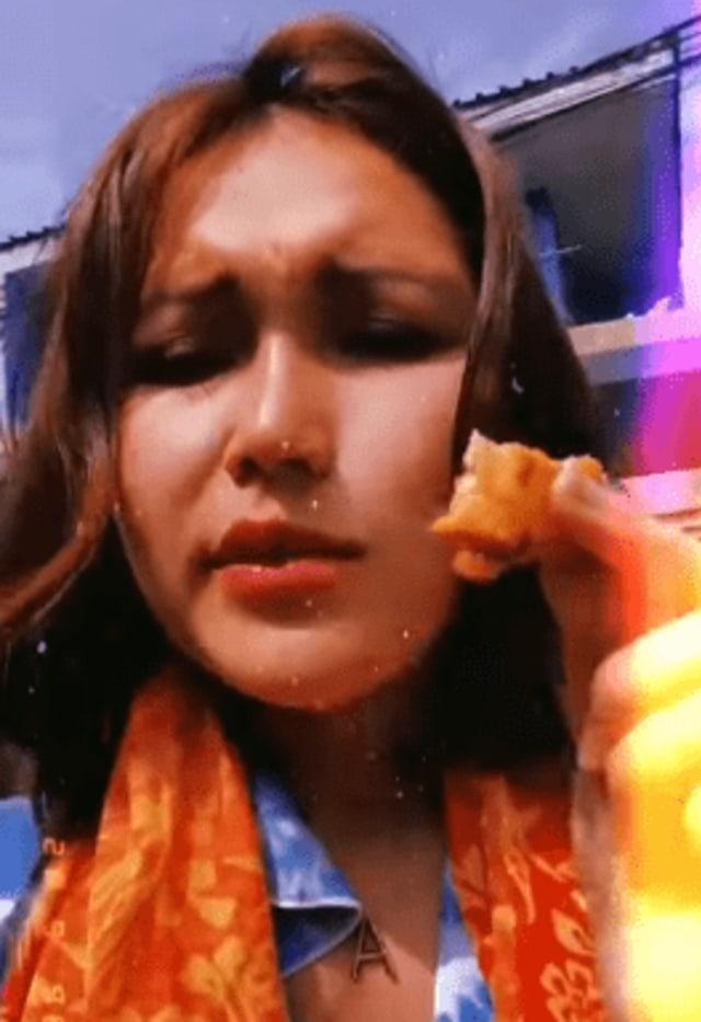 Makan Tempe, Ayu Ting Ting: Baru Kali Ini, Ternyata Enak Banget (226409)