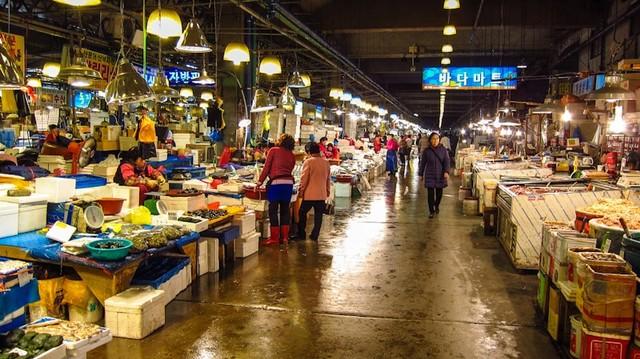 Berburu Alaskan King Crab di Noryangjin Fish Market (319734)