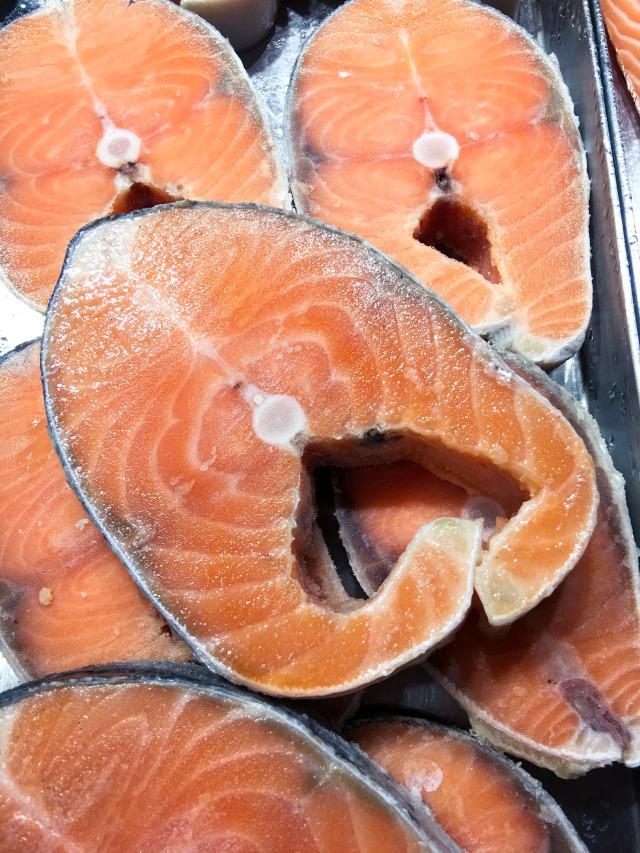 Manfaat Ikan Salmon untuk MPASI Bayi (402200)