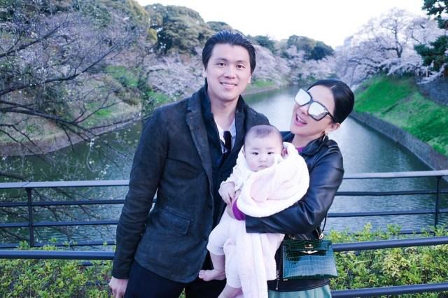 Unggah Fotonya Gendong Bayi, Syahrini Ungkap Keinginan Terdalam (374356)