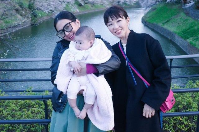 Unggah Fotonya Gendong Bayi, Syahrini Ungkap Keinginan Terdalam (374357)