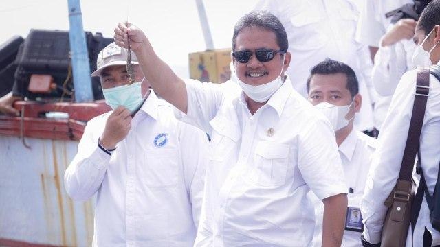 Mengintip Strategi Menteri Trenggono Berantas Kapal Pencuri Ikan (23939)