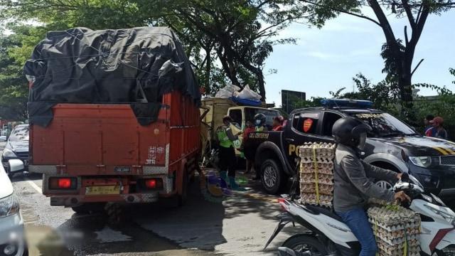 Kecelakaan di Bojonegoro, Seorang Pengemudi Truk Tewas di TKP (3257)