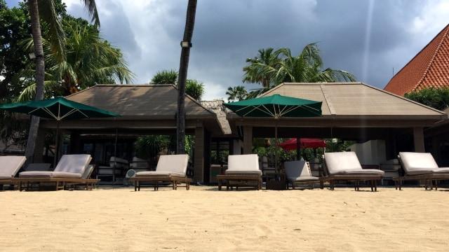 Viral Kisah Ibu di Bali Diusir Masuk Private Beach Hotel, Bagaimana Aturannya? (437480)