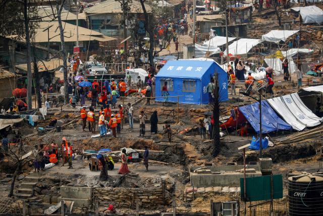 850 Ribu Pengungsi Rohingya di Bangladesh Bakal Divaksin COVID-19 (1010348)