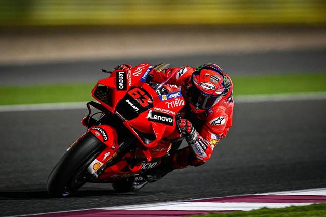 Yamaha YZR-M1 Asapi Ducati Desmosedici di GP Qatar, Ini Spesifikasi Keduanya (371199)