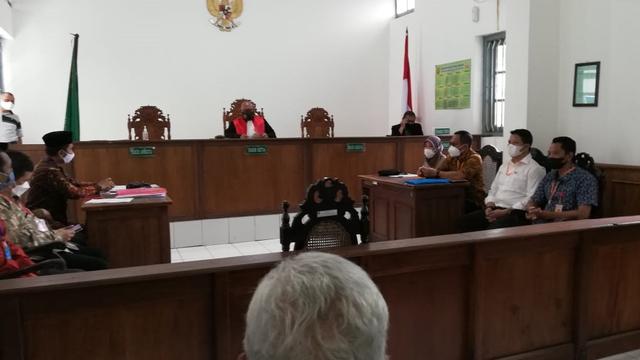 PN Solo Gelar Sidang Praperadilan Kasus Warga Slawi yang Dipanggil Polisi (11708)