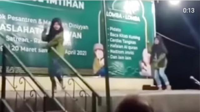 Viral Remaja Joget TikTok di Acara Haflatul Imtihan Pesantren (1023015)