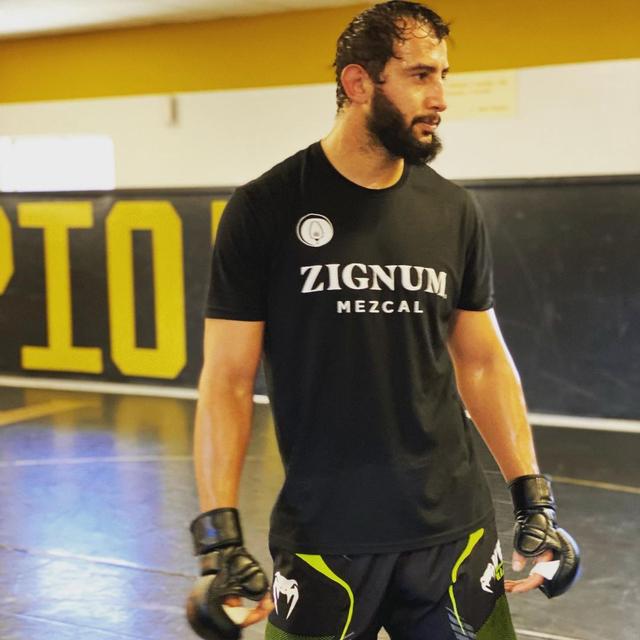 5 Profesi yang Pernah Digeluti Bintang UFC: Dari Pelayan hingga Kuli Bangunan (173530)