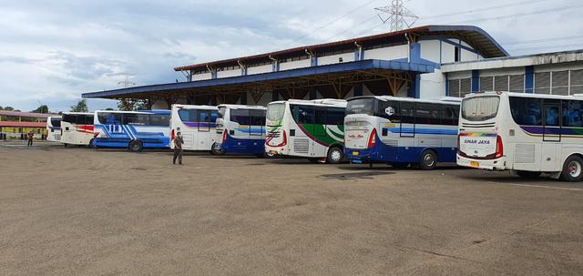 Berita Menarik: Daftar PO Bus yang Beroperasi; Mobil Berpelat Sunda Nusantara (29097)