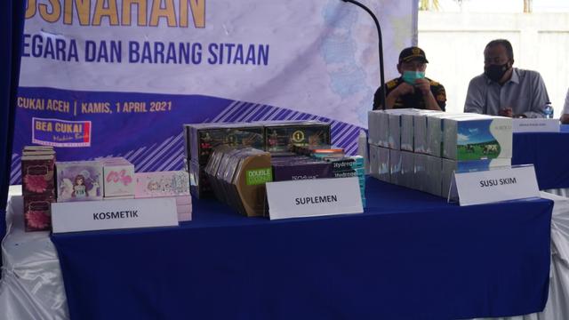 Kanwil Bea Cukai Aceh Musnahkan Barang Impor Ilegal, dari HP hingga Obat Kuat (256217)