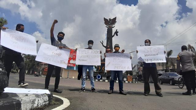 Jurnalis Blora Tuntut Aparat Usut Kekerasan yang Menimpa Jurnalis Tempo (216434)