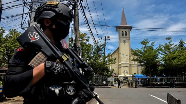 6 Teroris Ditangkap di Makassar, Rancang Aksi Bom Lewat Grup WA Batalyon Iman (272758)