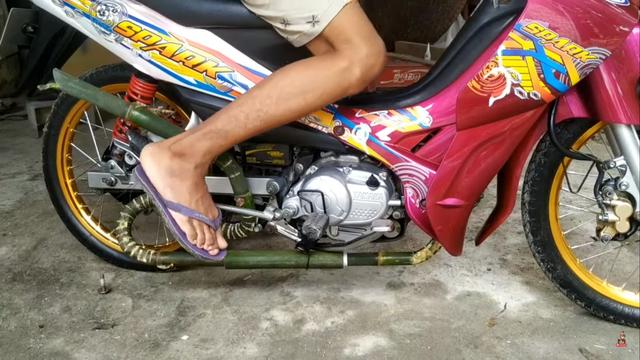 Knalpot Motor dari Bambu, Bagaimana Bunyinya dan Bisa Ditilang Polisi Juga?  (316144)
