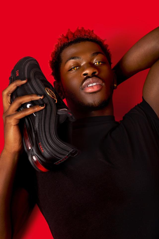 Sneakers dengan Darah Manusia Milik Lil Nas X Stop Diproduksi Usai Digugat Nike (130636)