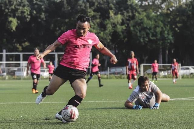 5 Pemain Selebritis FC Ini Layak Diberi Peluang Perkuat Rans Cilegon FC (30037)