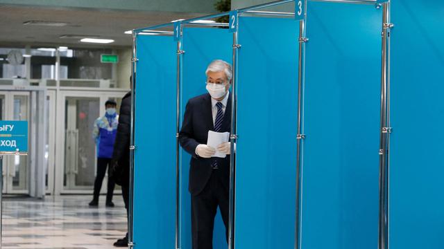 Vaksinasi Lamban, Presiden Kazakhstan Ancam Pecat Seluruh Menteri (163759)