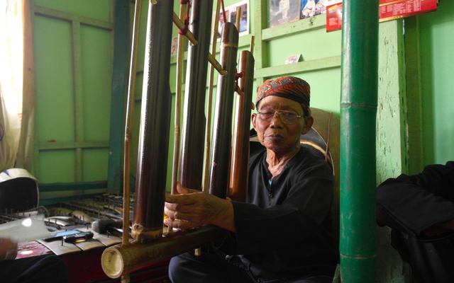Bambu dan Identitas Kebanyumasan (3716)