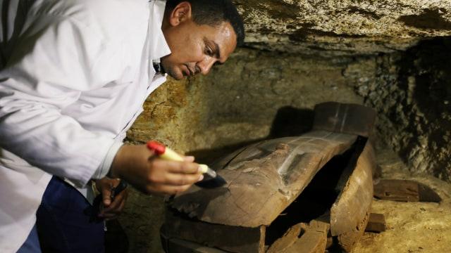 Pesan Ucapan Selamat Tahun Baru Ditemukan di Makam Kuno Berusia 2000 Tahun (83192)