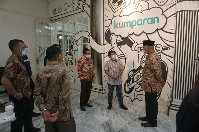 Foto: Gubernur Sumbar Mahyeldi Ansharullah Kunjungi Kantor kumparan (70303)