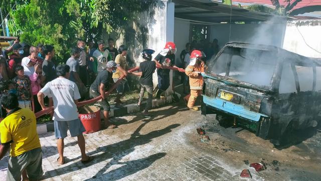 1 Mobil dan 2 Motor Terbakar di SPBU Tolitoli, Sulteng (108039)