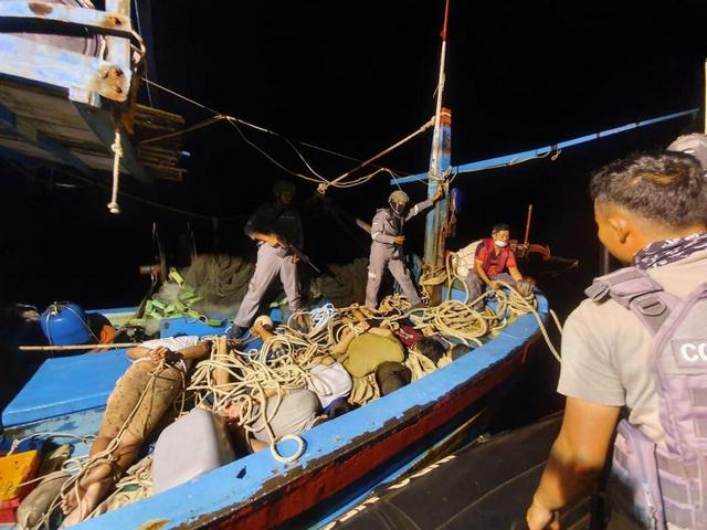 Bak Film Laga, Kapal Pencuri Ikan Kejar-kejaran dengan Bakamla di Laut Natuna (159200)