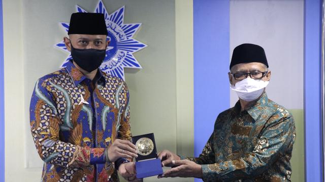 Terima Kunjungan Silaturahmi AHY, Ketum PP Muhammadiyah Pesan Empat Hal Ini (85229)