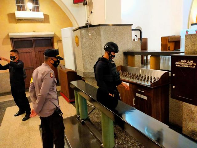 Antisipasi Ancaman Terorisme, 3 Gereja Besar di Malang Disterilisasi (88924)