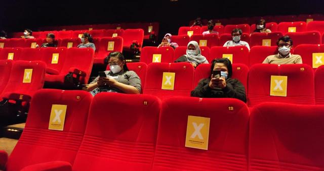 Bioskop di Surabaya Buka Lagi, Epidemiolog: Perhatikan Protokol VDJ (93020)