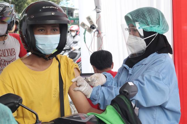 Cara Daftar Vaksinasi Covid Drive Thru dari Halodoc dan Gojek di Yogyakarta (311212)