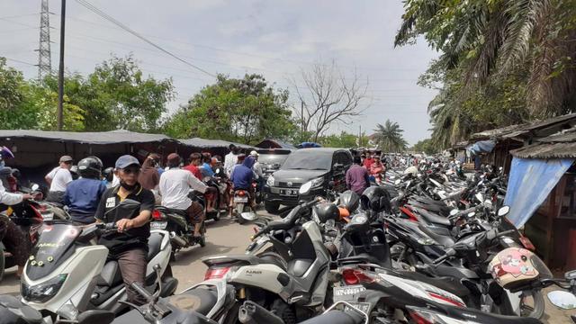 Ponpes Al Istiqlaliyah Dipadati Pelayat Abuya Thurtusi, Ada Bupati Tangerang (76590)