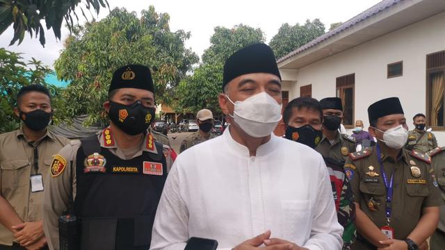 Bupati Tangerang Sebut Abuya Uci Sempat Sesak Napas, Bukan COVID-19 (162755)