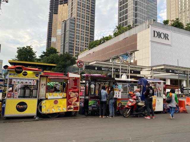 Makan Kenyang di Jakarta dengan Modal Rp 30.000 (94301)