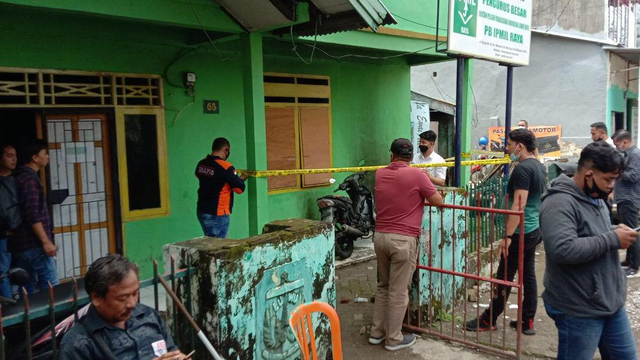 Asrama Mahasiswa di Makassar Dilempari Bom Molotov, Motor Hangus Terbakar (124311)