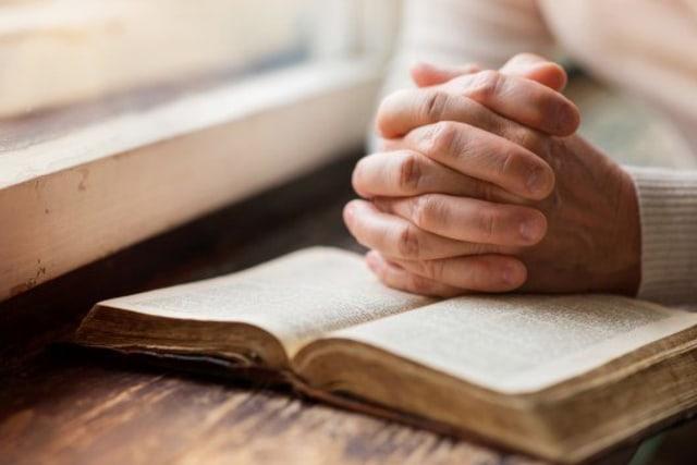 Kumpulan Doa Katolik Dasar yang Wajib Dihafalkan oleh Umat Katolik (85809)