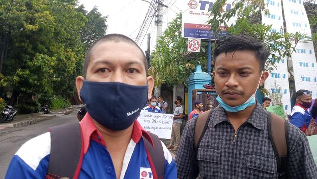 Belasan Pekerja TIKI Denpasar Lakukan Aksi Mogok dan Unjuk Rasa (5660)