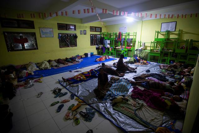 Foto: Pengungsi Banjir Bandang di NTT (117241)