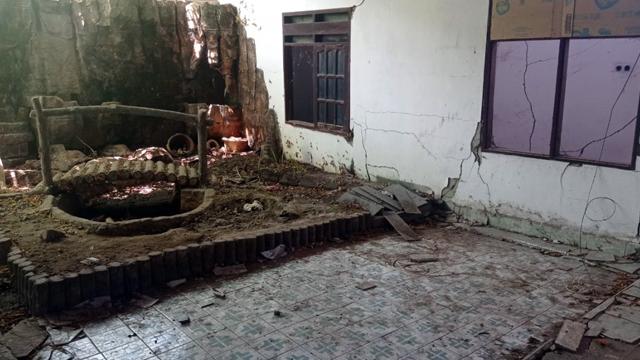 DPRD Bolmut Cek Langsung Kondisi Asrama Mahasiswa di Palu yang Rusak (131218)