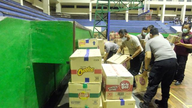 Bantuan dari Polda Kalteng untuk Korban Banjir di NTT Telah Diserahkan (9016)