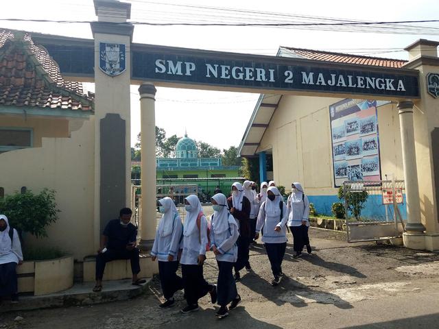 Persiapan UN, Sebagian Pelajar SMP di Majalengka Mulai Masuk Sekolah (52597)