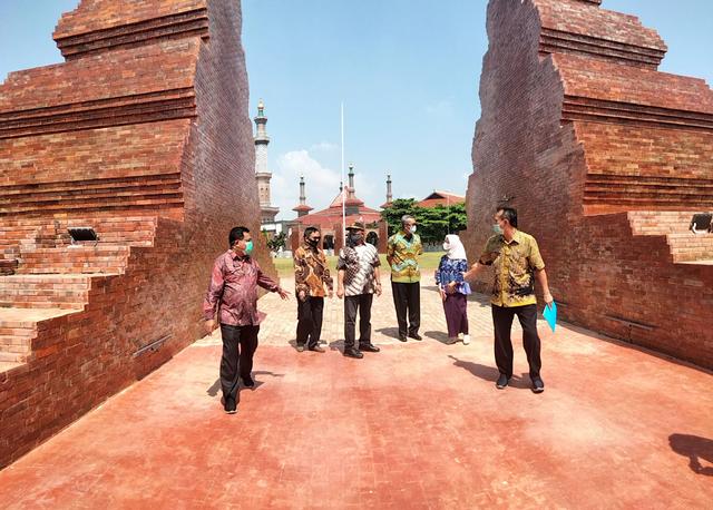 Wali Kota Cirebon Kecewa Lihat Desain Alun-alun Kejaksan (221687)