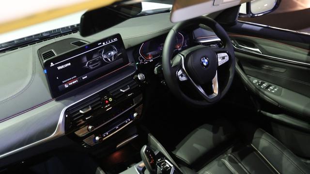 Inilah BMW Seri 5 Terbaru, Ada Versi Sporty dan Elegan Berkelas (5)