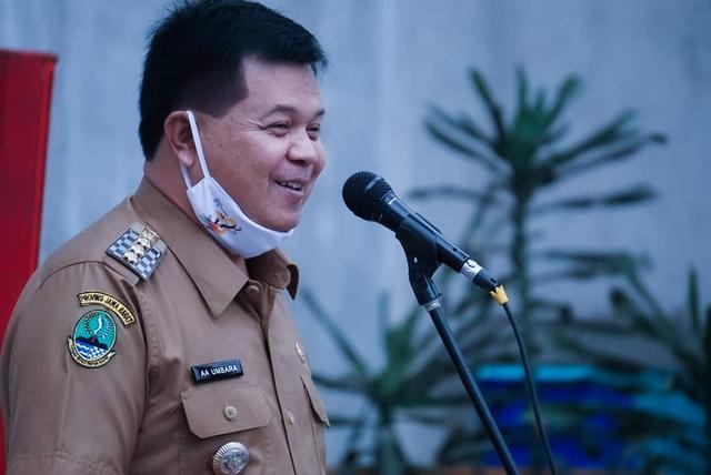 KPK Duga Bupati Bandung Barat Terima Rp 2 Miliar Uang Korupsi (1161)