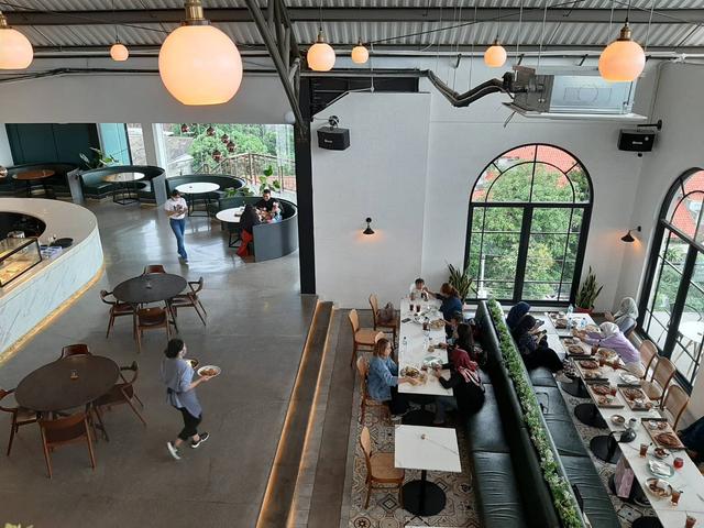 Bingung Cari Cafe Instagramable di Semarang? Epicure 'Sky Terrace' Tempatnya! (13554)