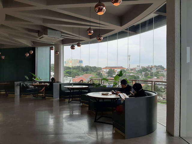 Bingung Cari Cafe Instagramable di Semarang? Epicure 'Sky Terrace' Tempatnya! (13557)