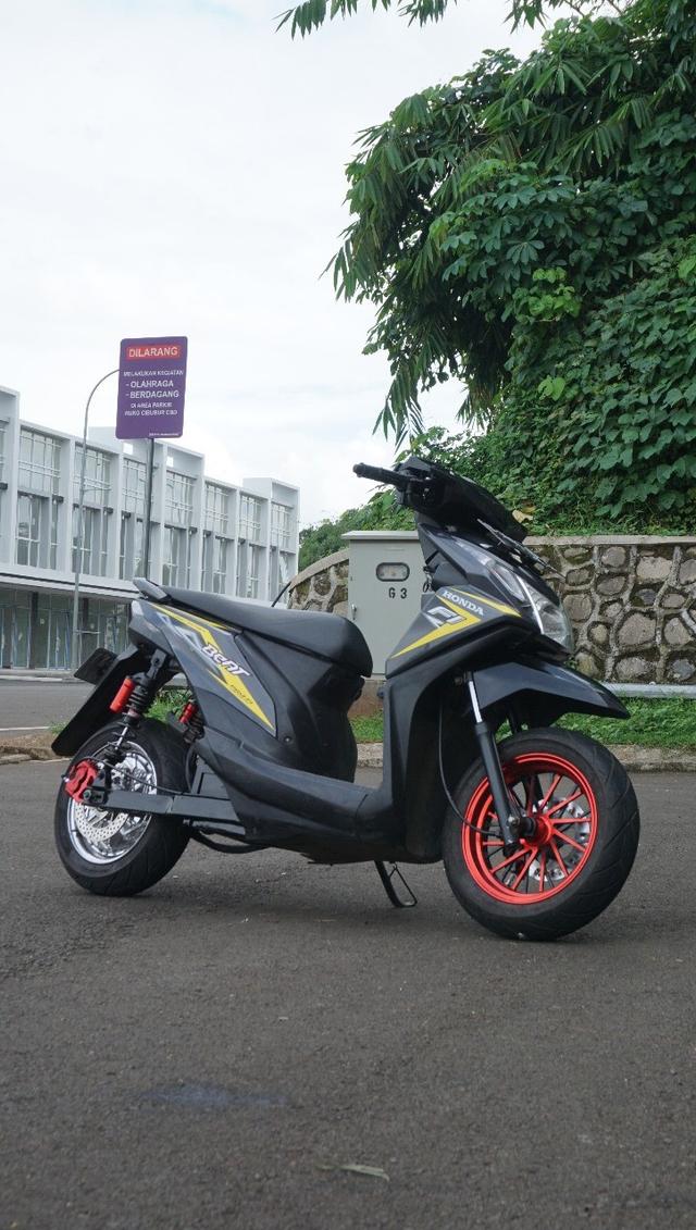 Berita Populer : Ini Honda BeAT Listrik dari Bekasi; Fenomena Kap Mesin Bus (3721)