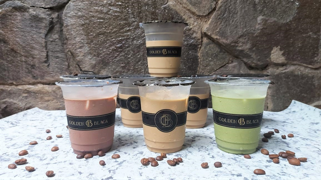 Tasya Farasya Usaha Es Kopi Susu Golden Black Coffee, Hits Banget! (211700)