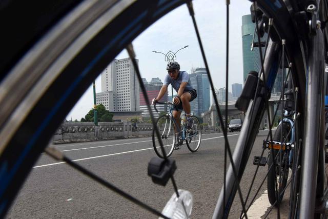 Foto: Pengguna Sepeda di Jakarta Meningkat Tiap Akhir Pekan (664773)