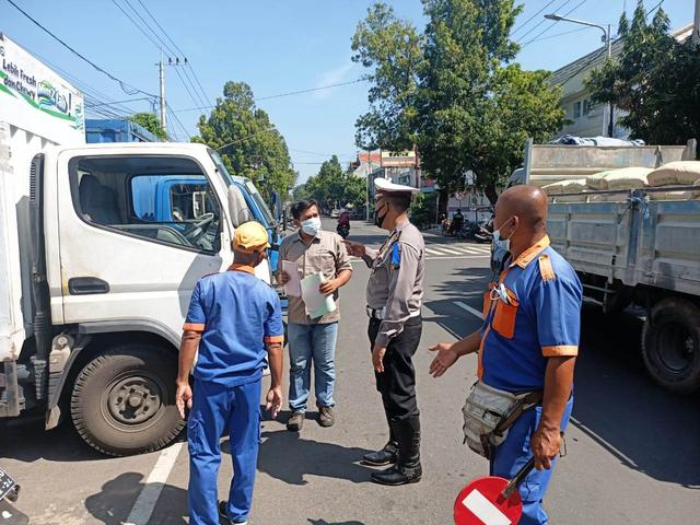 Operasi Keselamatan, Polantas bersama Dishub Sosialisasi Perubahan Arus Lalin (664733)