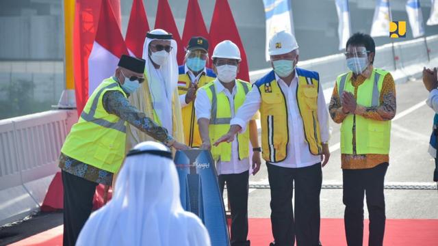 Mengenal Sosok Pangeran Abu Dhabi yang Namanya Jadi Jalan Tol Japek (876429)